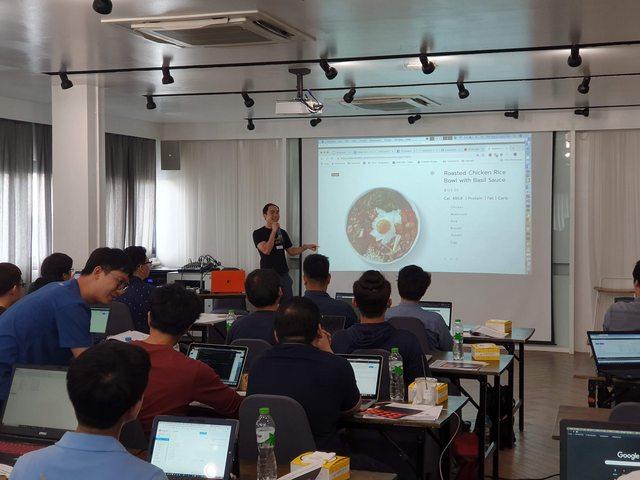 Skooldio Workshop: Building Serverless Applications with AWS Lambda
